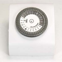 Otimo 24 Hour Mechanical Pin Timer W/ Single Polarized Outlet